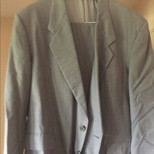 Men's Tom James Suit gray